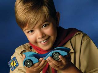 issues-ssw20-Boy-Scout-with-Car